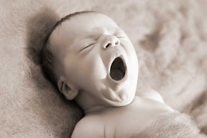 Concerns, what if my baby doesn't sleep... baby poppy yawning