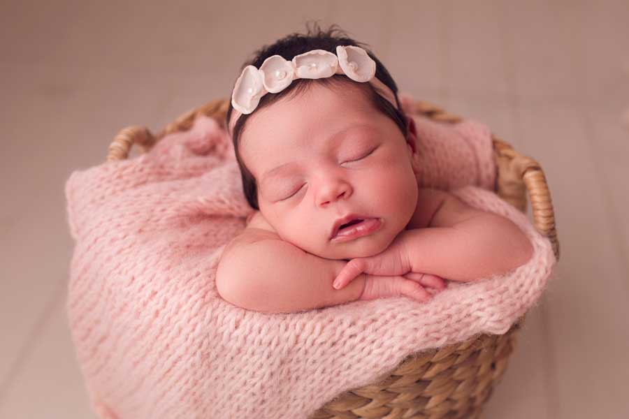 Elegant newborn baby photography in oxfordshire